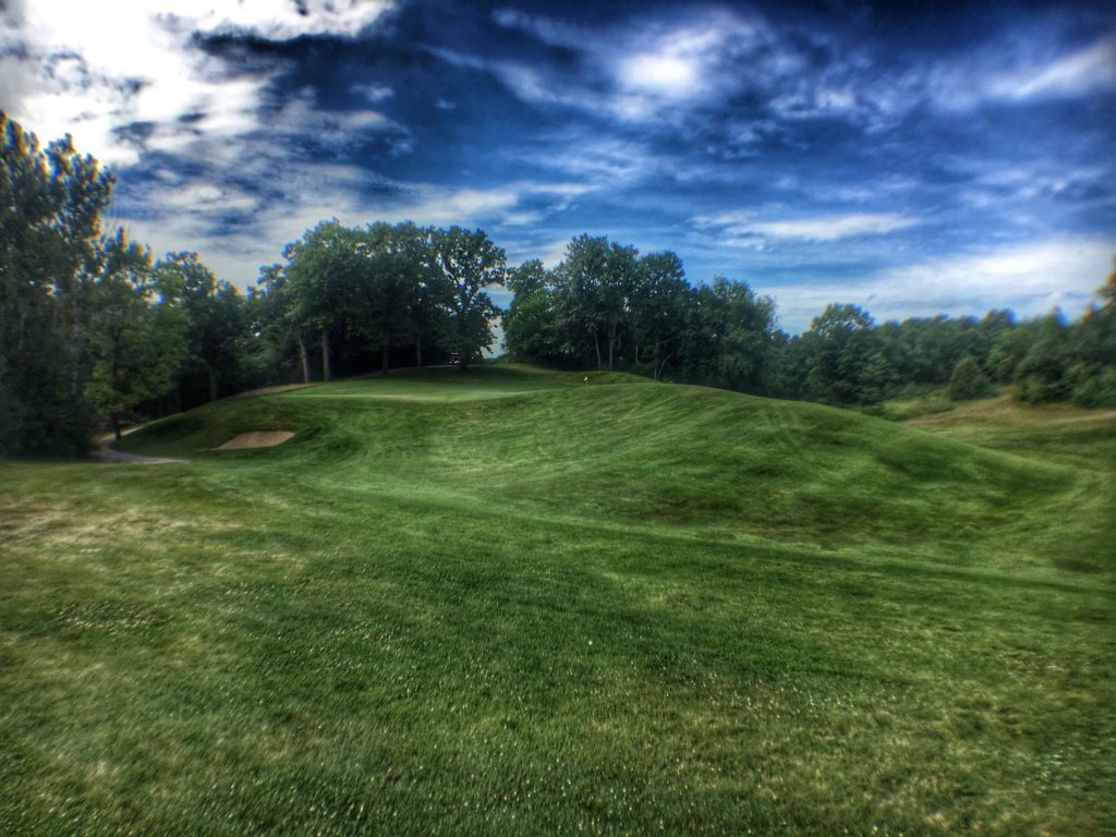 Eagle Springs Golf Resort - Hole 1- Approach