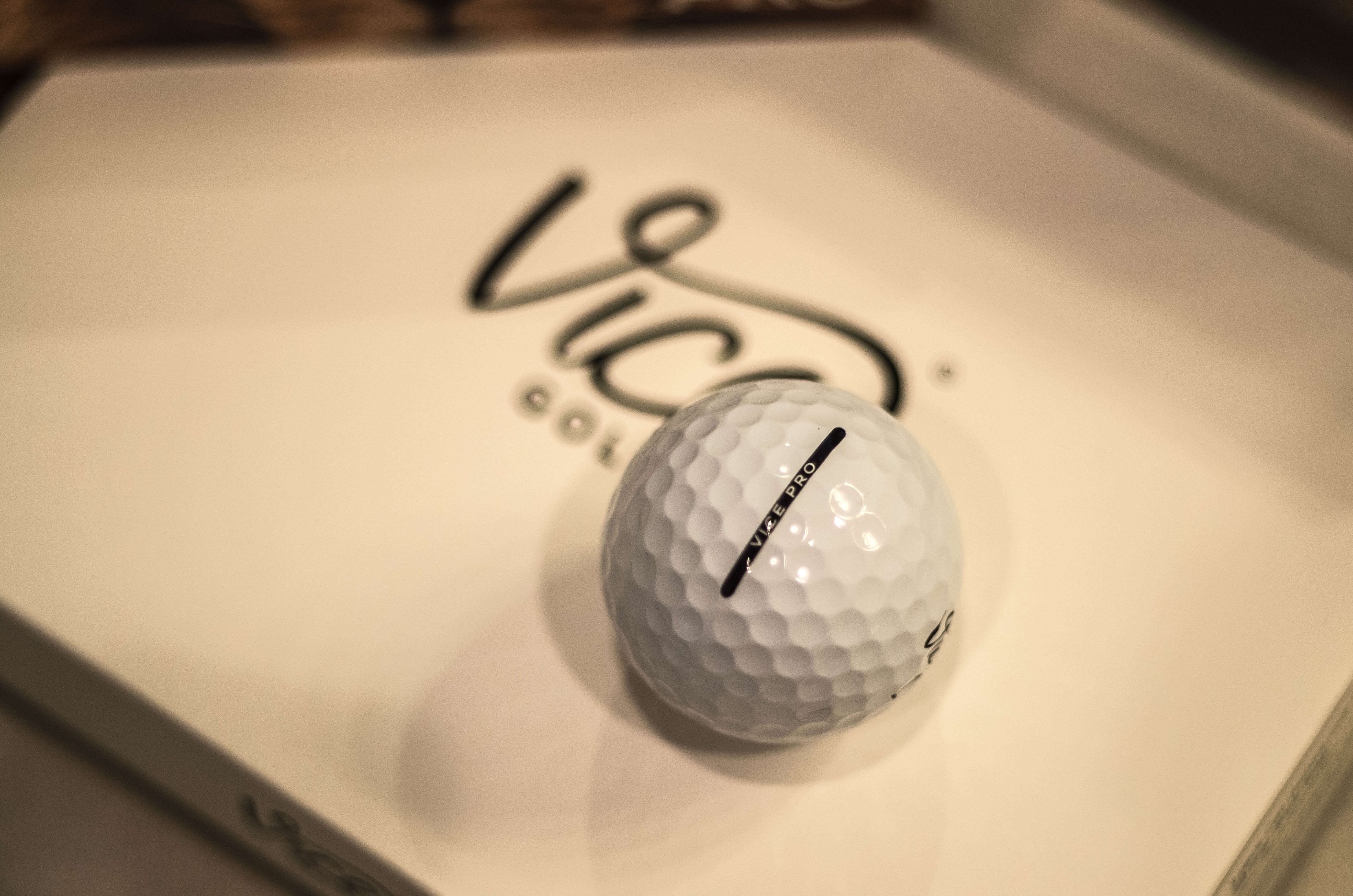 2016-08-09-Vice Golf Balls - Unboxing-301400